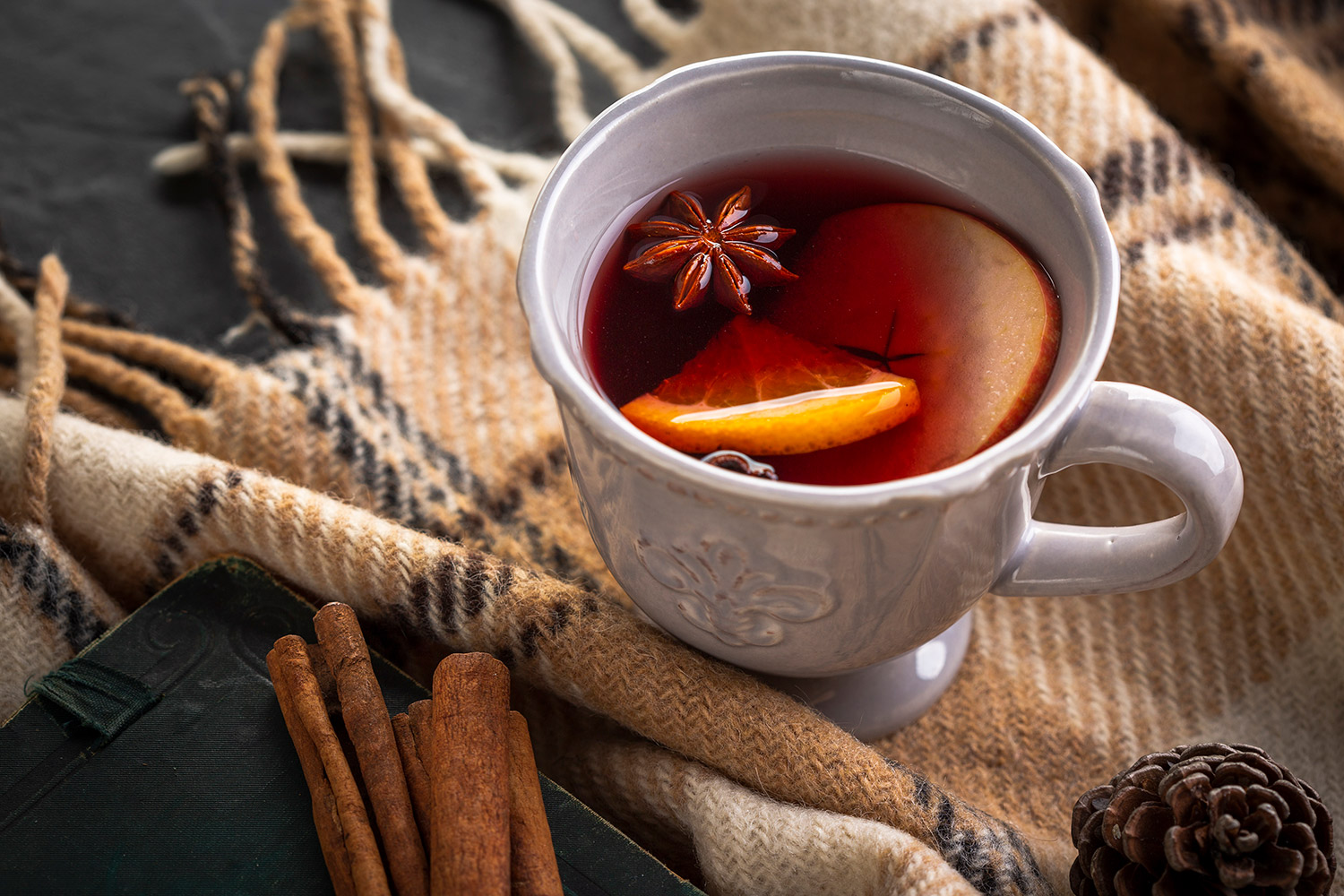 Blog - Top 5 Things to Do In Your New Home In Winter in Iowa - Mulled Wine