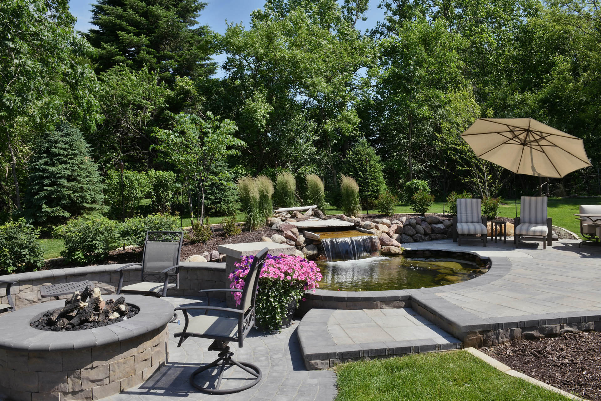 Neighborhood Builders Outdoor Oasis